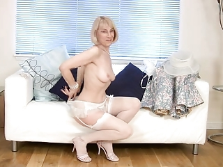 Lingerie Mature Stockings Stripper