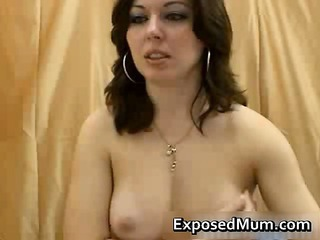 Cute  Mom Solo Webcam