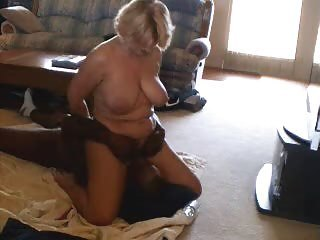 Amateur Big Tits Facesitting Homemade Interracial Licking Mature Natural  Wife