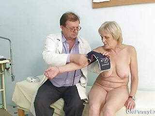 brigita gynochair full-grown pussy speculum gyno