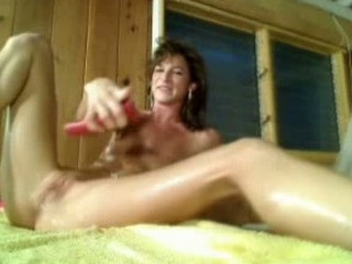 lady brunette playing