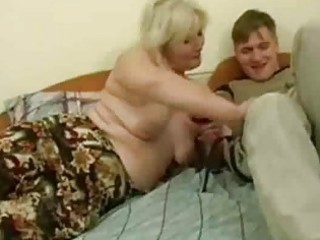 Amateur Mature Mom Old and Young Russian