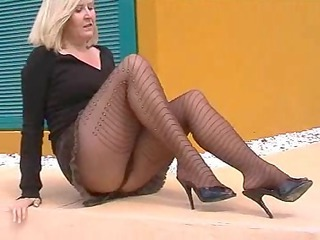flashing pantyhose slut on side of road