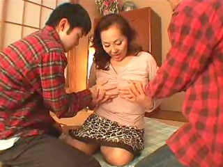 Asian Japanese Mature Mom Old and Young Threesome
