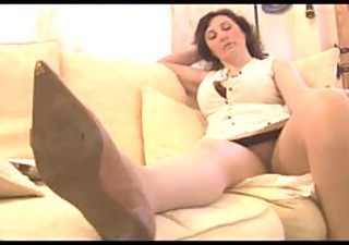 Mature Mom Upskirt