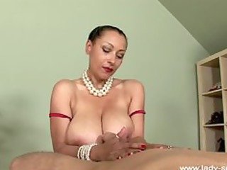 oil handjob by superhot american mature babe