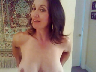Amateur Amazing Big Tits Homemade Mature  Mom Natural