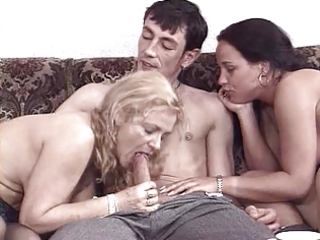 Blowjob European German Mature Mom Old and Young Threesome