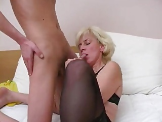 Amateur Blowjob Mature Mom Old and Young Russian