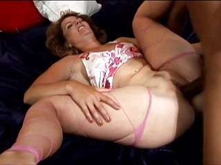 Chubby Hardcore Interracial Mom Old and Young