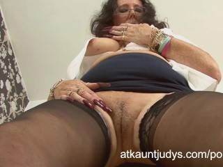 Masturbating Mature Pussy Stockings