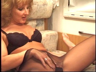 Fetish Mature Mom Pantyhose