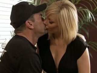 Amazing Blonde Kissing