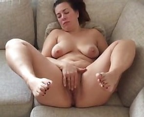 Amateur Homemade Masturbating Mature Mom  Solo