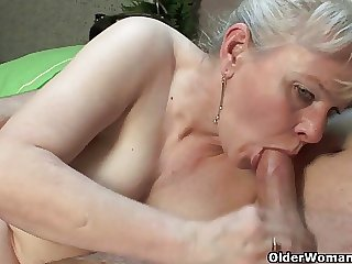 Hot grannies who settle upon younger often proles be worthwhile for sex