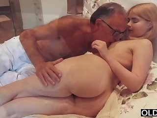 Amazing Ass Cute Daddy Daughter Old and Young Strapon Teen Young