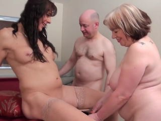 Mature Older Strapon Threesome