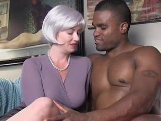 Cuckold Interracial MILF Strapon Wife