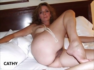 Amateur Homemade Mature Strapon Wife