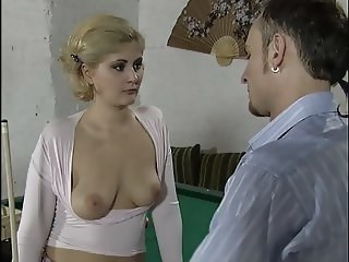 Blonda Draguta MILF Strapon De epoca