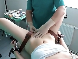 Bondage Doctor Strapon Uniform