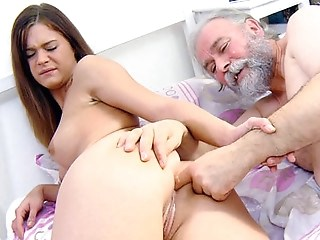 Amazing Daddy Daughter Fisting Old and Young Strapon Teen Young
