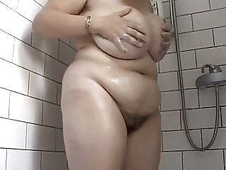 Amateur Big Tits Chubby Hairy Mature Mom Showers Strapon