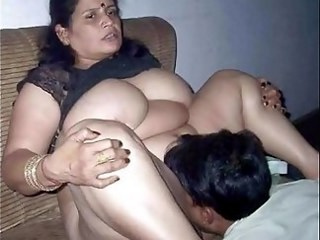 Amateur Big Tits Chubby Homemade Indian Licking MILF Strapon Wife