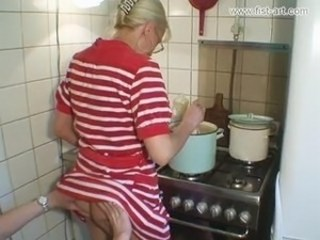 Amateur Blonde Kitchen Mature Strapon Wife