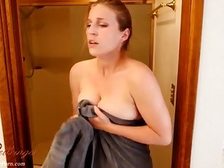 MILF Natural Showers Strapon