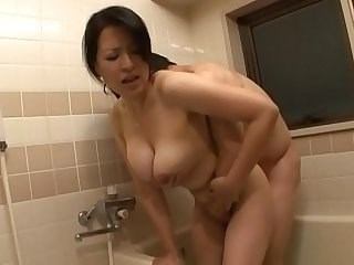 Asian Bathroom Japanese Mature Mom Natural Old and Young Strapon