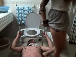 Pissing Slave Strapon Toilet