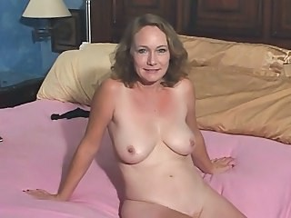 Mature Natural Strapon Wife