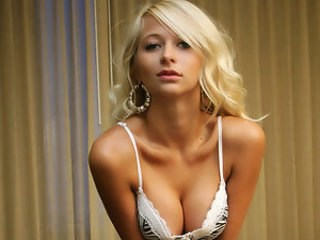 Babe Blonde Cute Strapon