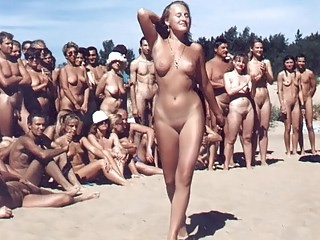 Amateur Amazing MILF Nudist Outdoor Party Public Small Tits Vintage