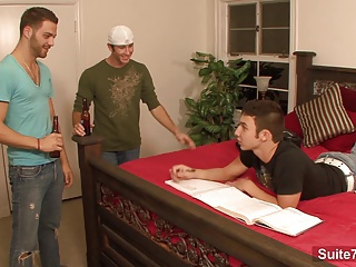 Sexy gays banging in threesome