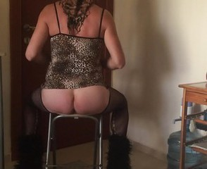 Turkish Aysem- Maid Sexy Ass