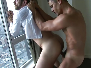 A Spaniard drills his business partner hungry hole.