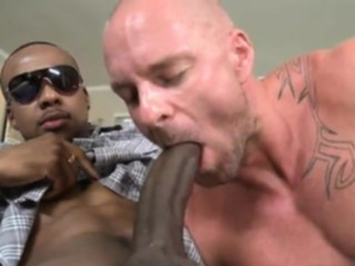 blowjob, bodybuilder, homosexual, huge dick, interracial