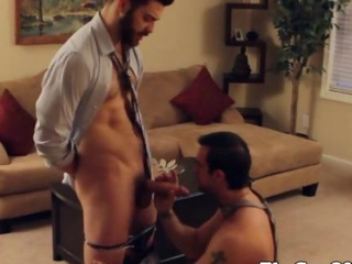 Office muscled hunks threeway on desk