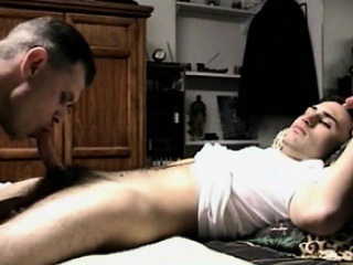 Straight latin amateur gives gay facial