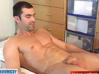 Hey! I'm heterosexual guy! Don't wank my huge cock ! sexy str8 serviced!