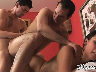 Ambisextrous threesome enjoyment
