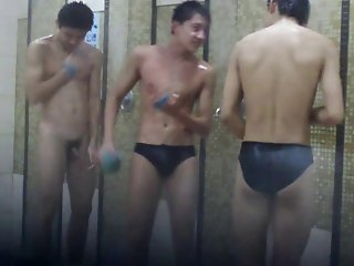 comparing dicks under the shower
