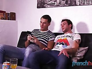 Double penetration of a young French twink