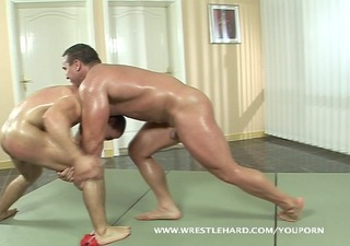 homosexual terminator fucks bodybuilder after wrestling