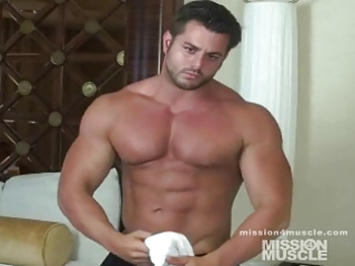 bodybuilder homosexual jerk off