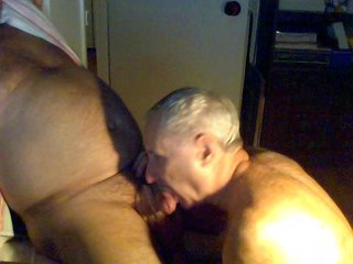 tomy1 lapping up big dick