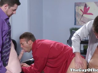 Officesex hunks threeway freak out on followingly gathering