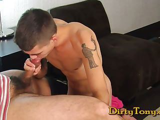 E YOUNG TWINK GETS DIRTY